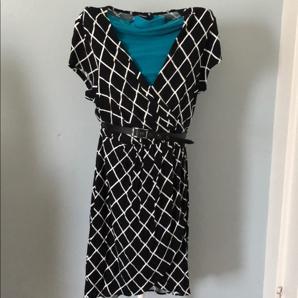 Express Dresses & Skirts - Express black and white belted dress